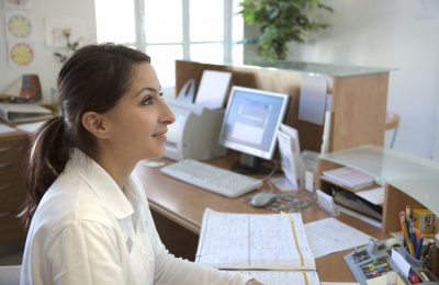 Comparison: Hiring A Virtual Receptionist Versus Hiring An In-Office Receptionist